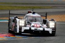 Testdag: Porsche snelste in regenachtige ochtendsessie