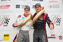 VLN 8: Dries Vanthoor wint meteen bij GT3-debuut - Jongste winnaar ooit