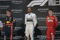 Hamilton haalt spanning weg uit slotwedstrijd, Verstappen knokt zich naar P2