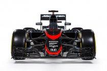 Foto's: McLaren met nieuwe bestickering in Spanje