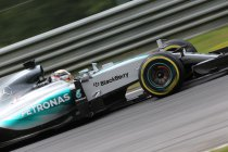 Oostenrijk: Zevende pole voor Hamilton