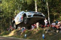 Rally Finland: Ogier pakt autoritair de leiding - Neuville knap tweede