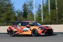 Nürburgring: Twee op twee voor Mikel Azcona