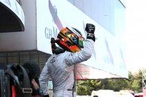 Spanje: Vandoorne wint spannende race 1