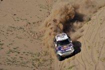 Etappe 11: Nasser Al-Attiyah zet Peugeots een hak – Peterhansel controleert