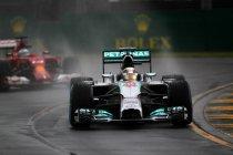 Australië: Hamilton pakt pole in de regen - thuisrijder Ricciardo verrast