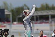Spanje:  Lewis Hamilton snelt naar 52ste pole, Verstappen knap vierde