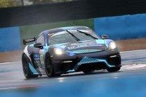 Magny-Cours 200: De Porsche Cayman als een vis in het water