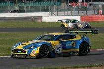 BES Silverstone: Fred Makowiecki met Aston Martin op de pole