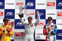 FIA F3: Zandvoort: Felix Rosenqvist en Antonio Giovinazzi verdelen de zeges