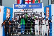 24H Silverstone: Onverwachte zege voor Team ABBA with Rollcentre Racing.