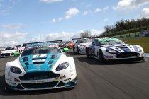 Oulton Park: Aston Martin en BMW verdelen de pole-positions