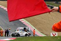 Brands Hatch: Zware crash van Buhk in eerste vrije training