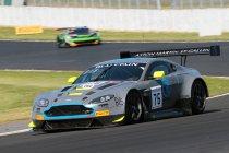 R-Motorsport (Aston Martin) behoudt overwinning Silverstone