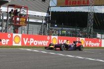 België: Ricciardo wint Belgische spektakelrace - Tijdstraf voor Magnussen