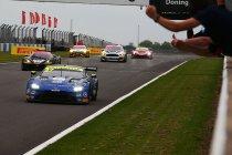 Donington: Eerste zege voor nieuwe Aston Martin Vantage GT3
