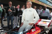 Jacky Ickx eregast op Goodwood Festival of Speed