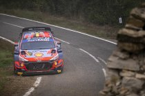 WRC: Neuville bouwt voorsprong verder uit