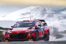 WRC: Neuville haalt een eerste keer uit