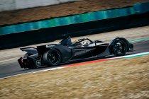 Stoffel Vandoorne rijdt eerste kilometers met Mercedes Formule E-wagen