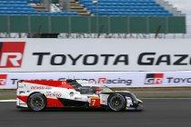 Silverstone: Toyota snelste in FP1 - Zware crash Senna