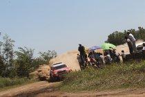 Al-Attiyah leidt - Peugeot lijdt