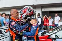 Hungaroring: Gabriele Tarquini riant leider na derde zege, Lessennes sterk vijfde (race 3)