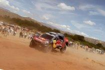 Carlos Sainz grijpt het commando – Rit ingekort door warmte