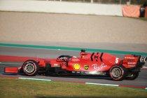 Ferrari steekt neus aan het venster, Mercedes in de problemen
