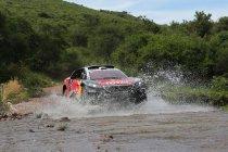Etappe 2: Peugeot laat zijn tanden zien - Sébastien Loeb pakt winst en leiding