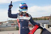 4H Portimão: Job van Uitert zet United Autosports op pole