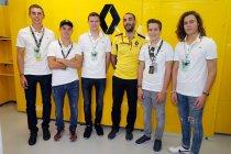 Max Defourny op bezoek bij Renault Sport F1 team