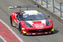 Magny Cours: race 1: Aan Team Sofrev-ASP de zege