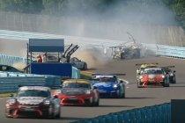 Video:  Massacrash bij Amerikaanse Porsche Cup